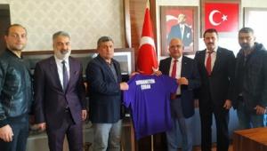 AFJET AFYONSPOR'DAN BİR FORMA DA SPORUN EFSANE BAŞKANI ÇOBAN'A