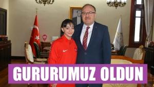 ŞAMPİYON'DAN VALİ'YE ZİYARET