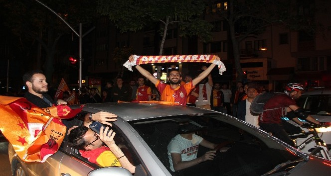 GALATASARAYLILARIN AFYON\'DA ŞAMPİYONLUK COŞKUSU!..