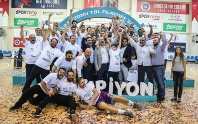 AFYON BELEDİYESPOR'DA 6 OYUNCUYLA DEVAM