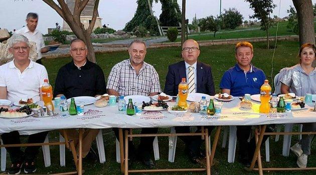 BAŞKAN ÇOBAN'DAN VOLEYBOL TAKIMIMIZA MORAL YEMEĞİ...