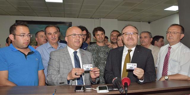 VALİ MUSTAFA TUTULMAZ PASSOLİG KART ÇIKARARAK, AFJET AFYONSPOR'A DESTEK OLDU